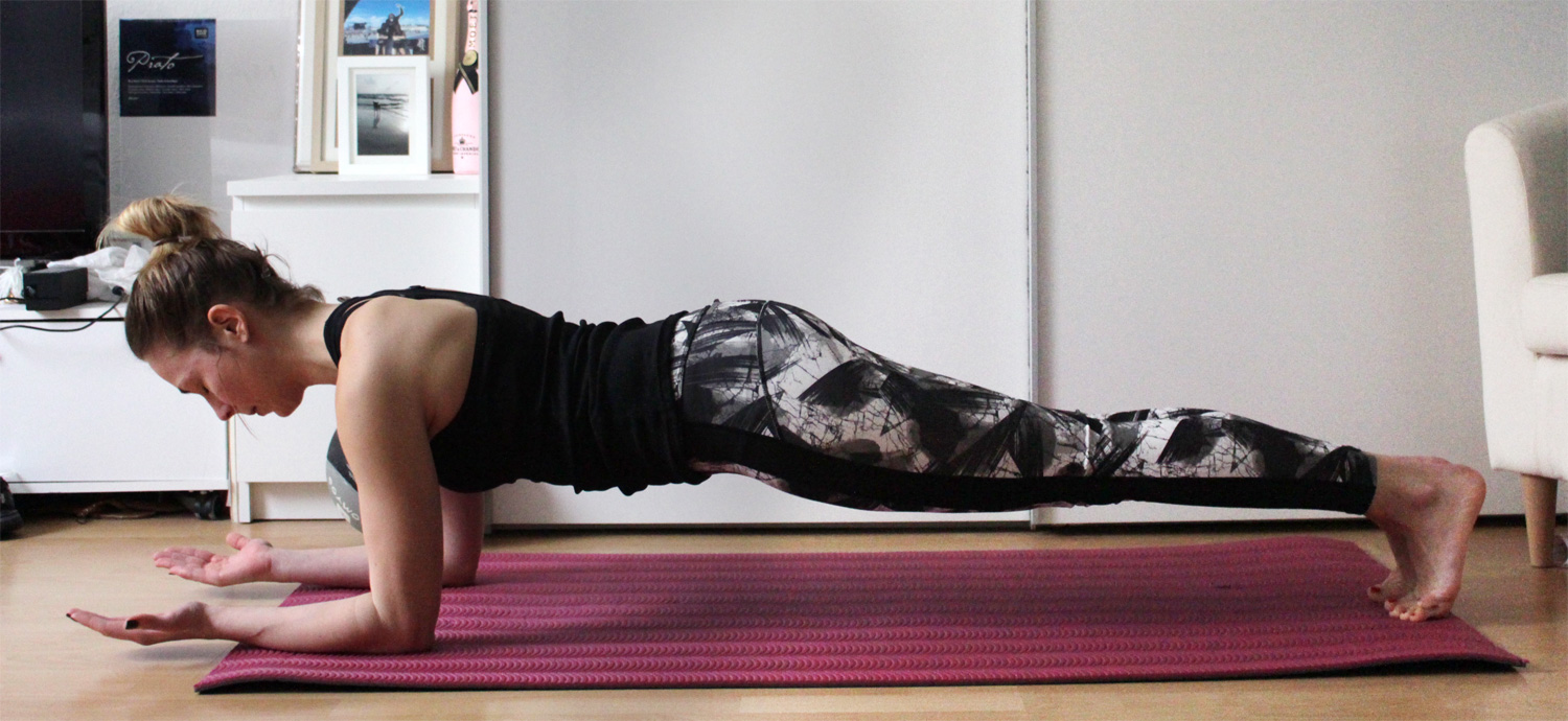 Ausgangspunkt: normaler Plank // Starting point plank position